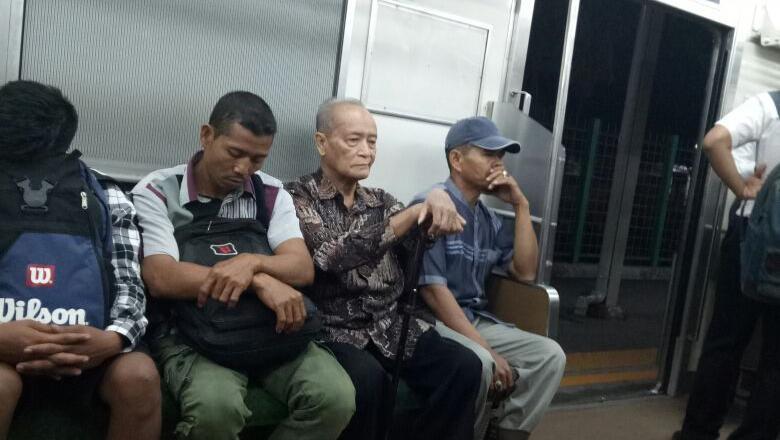 Naik KRL ke Bogor, Buya Syafii: Nggak Macet dan Aman