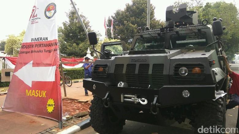 Foto: Komodo, Anoa, hingga Hiu Merah Dipamerkan Kemenhan