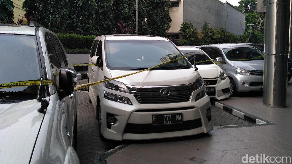 Polisi Sita Mobil Vellfire hingga Pajero Milik Bos First Travel