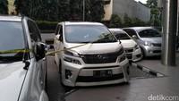 Polri Kembalikan 2 Mobil yang Sempat Disita dari First Travel