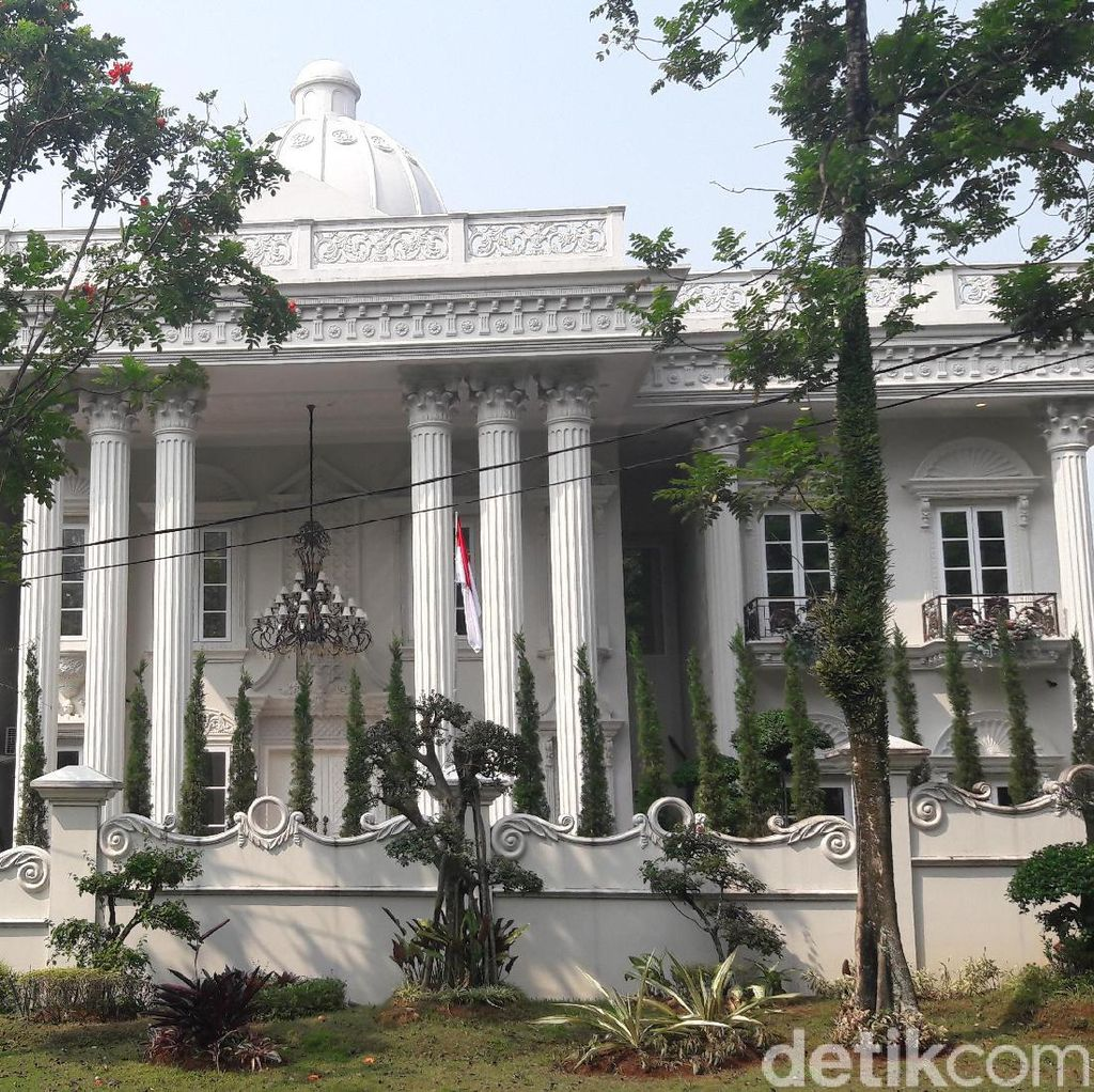 Istana yang Dijaminkan dan Pangkal Aliran Uang Jemaah First Travel