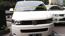 Foto Mobil Mewah Bos First Travel yang Disita Polisi