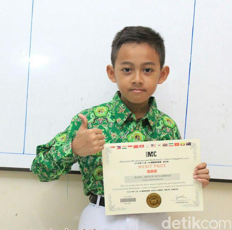 Pelajar Mi Lamongan Sabet Juara Harapan Olimpiade Matematika