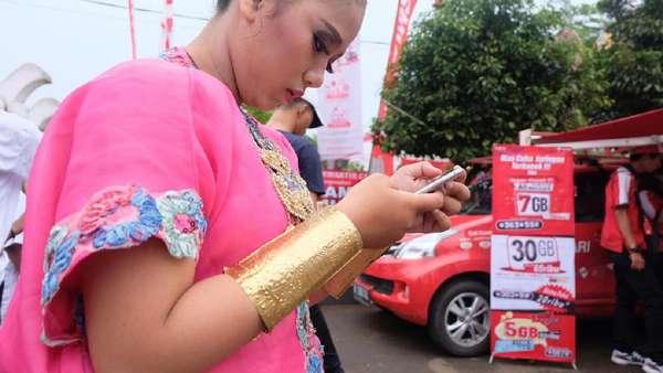 Saham Penjual Pulsa Telkomsel Dibekukan Gara-gara Melejit 167%