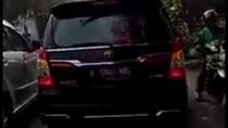 Kocak! Begini Curhatan Emak-emak yang Ngomel karena Mobil Anies