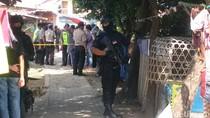Densus 88 Geledah Rumah Terduga Teroris di Antapani Bandung
