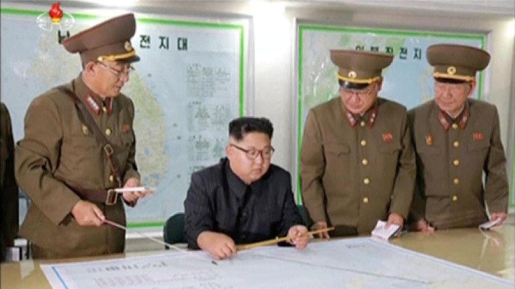 Kim Jong-Un Tunda Serangan Rudal ke Guam