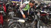 Penjelasan Polisi Soal Pengendara yang Rusak Motornya Saat Ditilang
