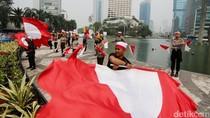 Aksi Polisi Lakukan Koreografi Kemerdekaan