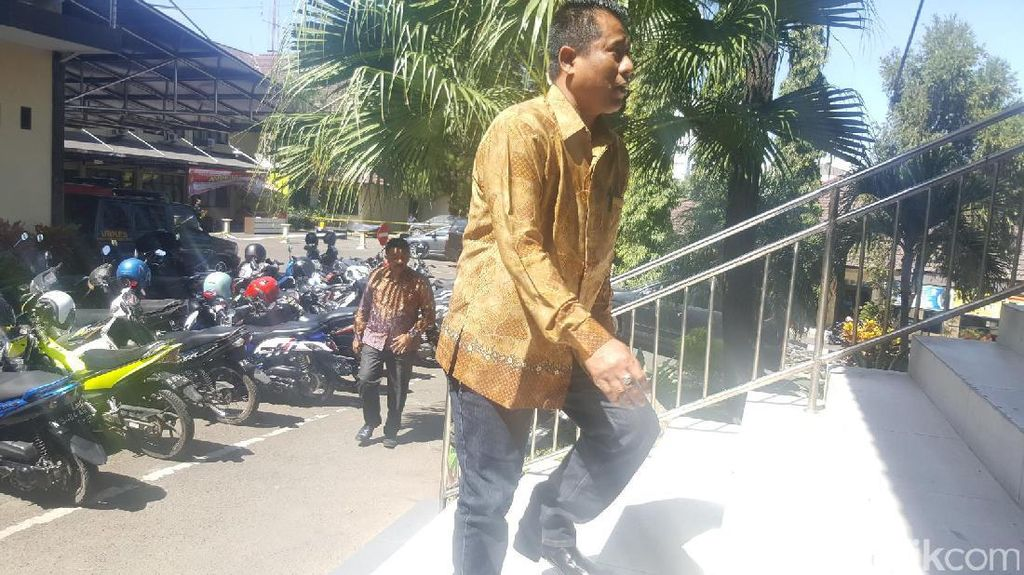 8 Jam Diperiksa, 12 Anggota DPRD Mulai Tinggalkan Polres Malang