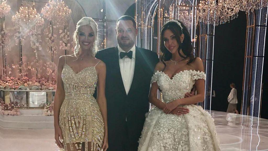 Pernikahan Mewah Bangsawan Rusia: Cincin Rp 133 M Hingga Atraksi Akrobat