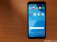 LG Q6, Ponsel Termurah dengan Pemindai Wajah