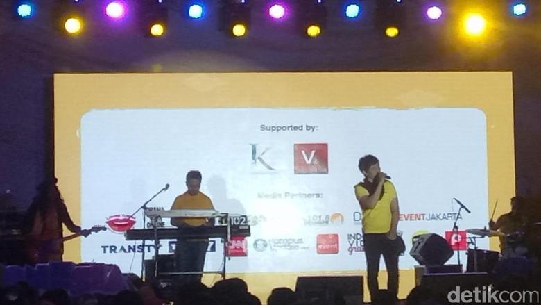TeamLo Buka Acara Indonesia Happy Diiringi Gelak Ketawa Penonton