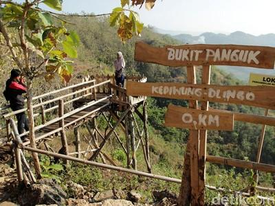 Foto: Tempat Foto Kekinian di Bukit Panguk, Yogyakarta