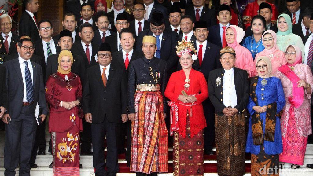 Usai Sidang, Jokowi dan Pimpinan DPR-DPD Foto Bersama