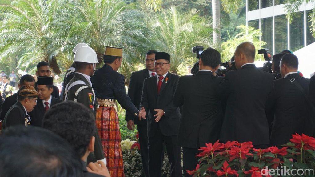 Foto: Jokowi Berbaju Bugis ke Sidang Tahunan Parlemen