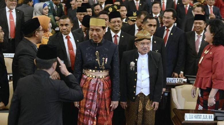Jokowi Ungkap Alasan Pakai Baju Adat Bugis di Sidang Tahunan