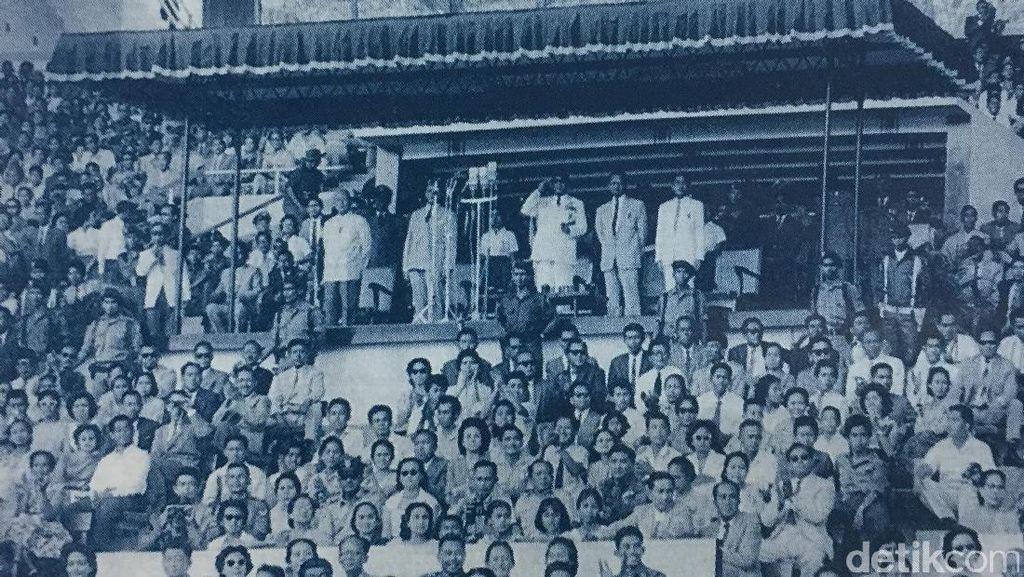 Bung Karno Menaruh Idealisme dan Ambisi di Atap Stadion Utama GBK