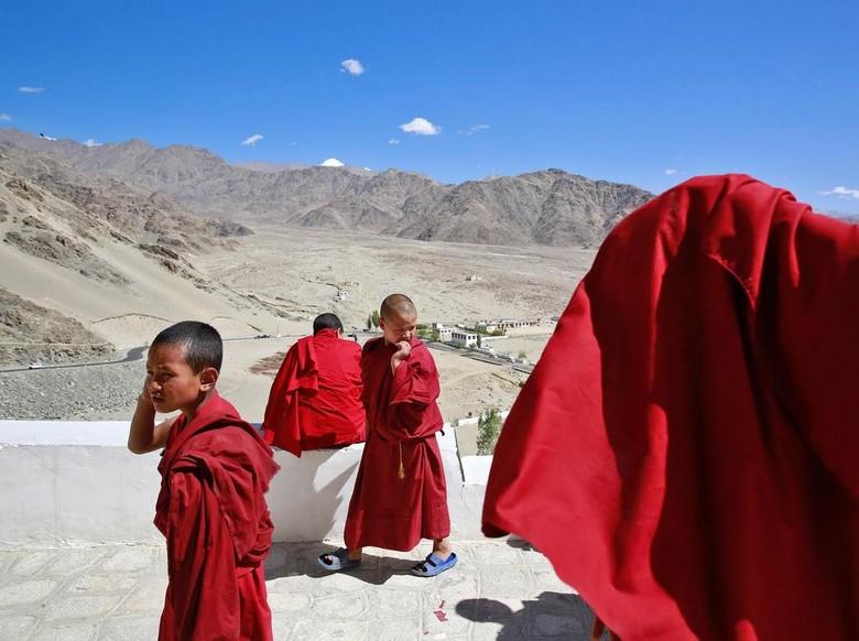 Kehidupan Biksu Cilik di Pegunungan Himalaya