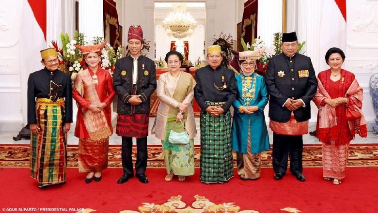 Kumpulkan Mantan Presiden, Jokowi Dibandingkan dengan Obama