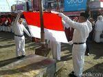 Saat Ratusan Pedagang Pasar di Wonosobo Gelar Upacara HUT RI