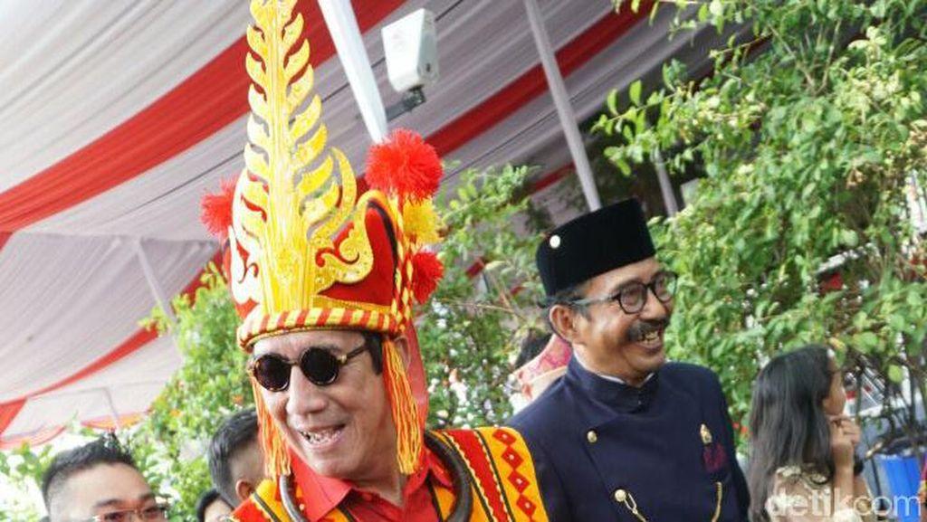 Foto: Dari Menteri Hingga Ajudan, Ini Juara Busana Adat di Istana
