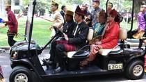 Momen Saat Pak Jokowi Jadi Sopir untuk Jusuf Kalla