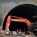 Foto : Mengintip Proyek Terowongan Tol Cisumdawu