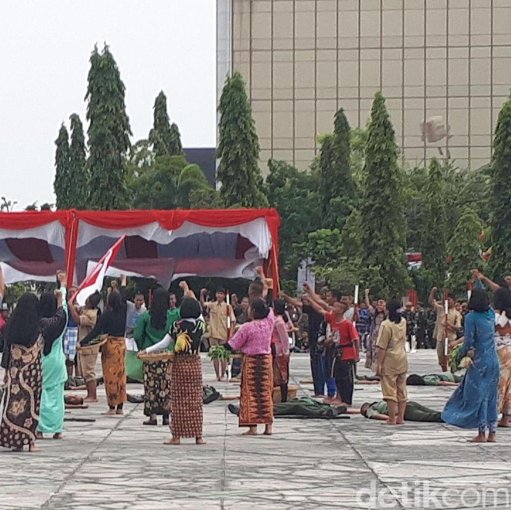Drama Perjuangan Kemerdekaan Isi Upacara di Kantor Gubernur Riau