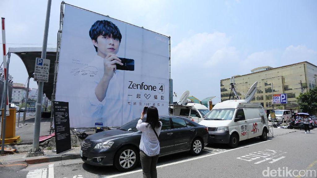 Foto Gong Yoo Terpampang Besar di Peluncuran Zenfone 4 di Taiwan