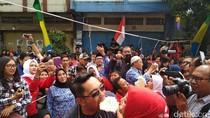 Romantisnya Ridwan Kamil dan Istri Lomba Makan Kerupuk Bersama