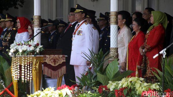 Sultan HB X Pimpin Upacara Peringatan Hari Kemerdekaan di Gedung Agung
