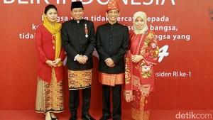 Foto : Gaya Nyentrik Menteri Kabinet Jokowi Saat HUT RI