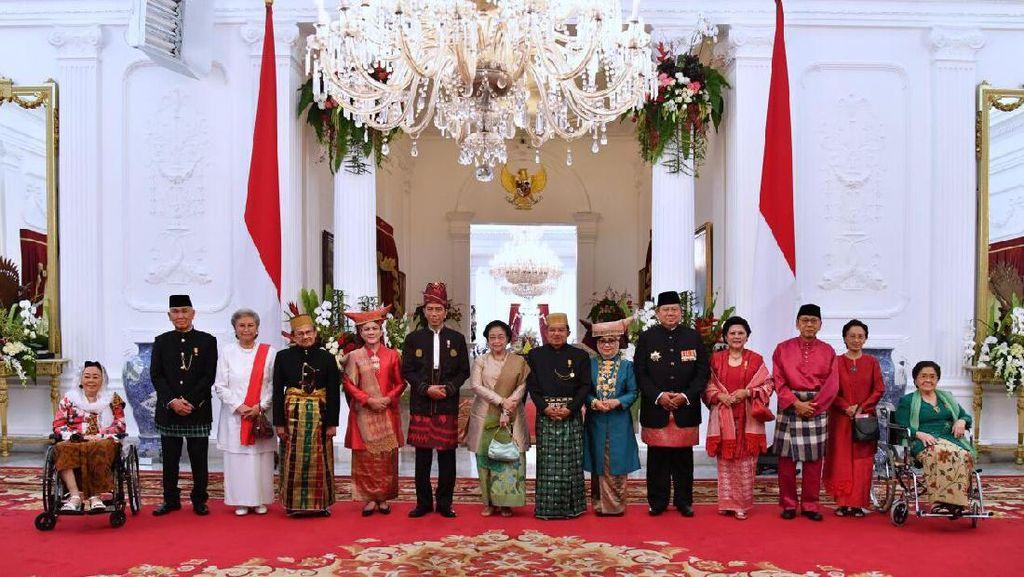 Foto-foto Seru HUT ke-72 RI di Istana dan Nyentriknya Para Menteri