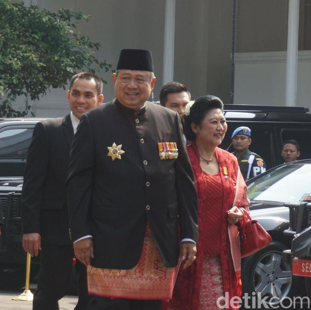Foto: Senyum SBY Tiba di Istana untuk Ikut Upacara HUT ke-72 RI