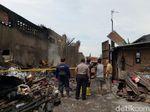 Gudang di Kapas Madya Dipolice Line, Labfor Polda Jatim Olah TKP