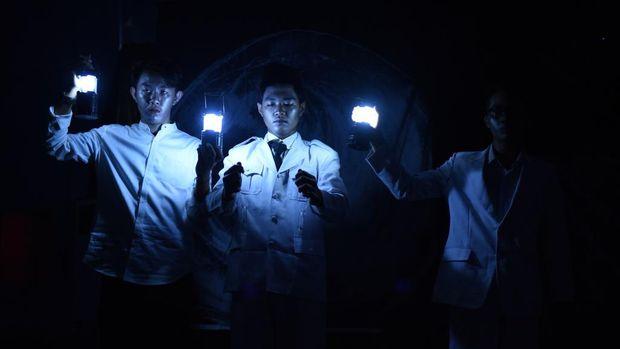 Sukses di 4 Kota, Teater Keliling Pentaskan 'Sang Saka'