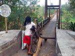 Jembatan Miring di Bantul Akhirnya Ditutup Palang Besi