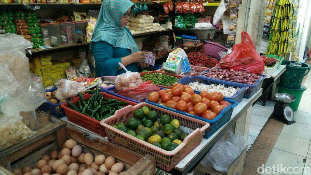 Selain Cabai, Harga Bawang di Jakarta Ikut Turun