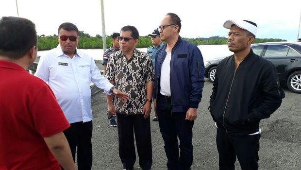 Tim evakuasi dipimpin langsung oleh Deputi Operasi Bakamla Laksma Rahmat Eko Rahardjo dan Kepala Biro Umum Bakamla Laksmana Pertama Suradi Agung Slamet.