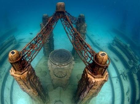 Foto: Beginilah Pemakaman di Bawah Laut