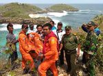 Evakuasi Pemancing Terjebak di Pulau Celeng Belum Berhasil