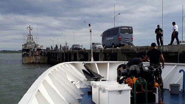 Speedboat yang mengangkut 12 orang staf Kemendes ini bertolak dari Sebatik menuju Tarakan.