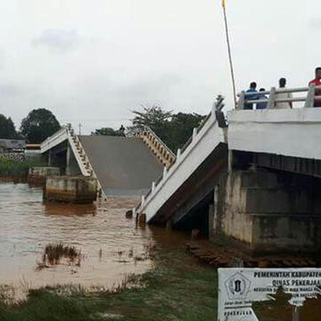 Jembatan di Barito Kuala Kalsel Patah, Amblas Terendam Air