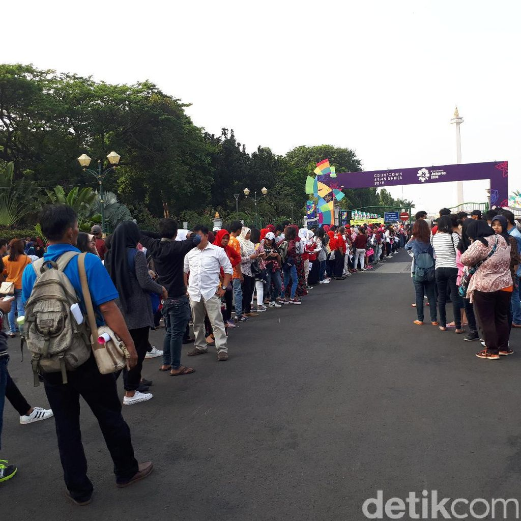 Penonton Countdown Asian Games 2018 Mulai Padati Monas