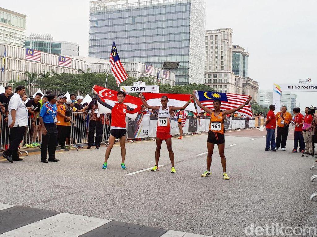 Agus Prayogo Sumbang Perak dari Maraton