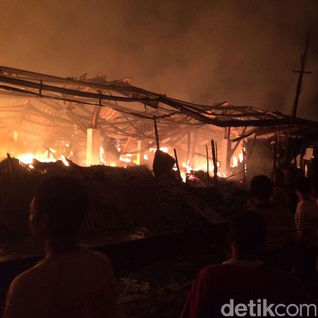 Pasar Pagi Kaliwungu Kendal Terbakar Malam Ini