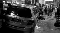 Mobil WN Korsel Tabrak Pemotor di Pancoran, 1 Tewas