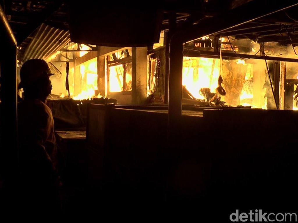 Polisi Selidiki Penyebab Kebakaran Pasar Pagi Kaliwungu