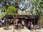 Warung Semok Mbak Sumi di Hutan Jati ini Fenomenal, ini Ceritanya